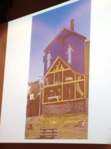 Kunstprosjekt på Svartlamoen: Husvegg malt av kjente kunstnere