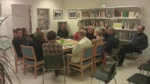 Workshop på Dovre, troppene er samlet rundt bordet